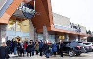 Vince's Sharon Store Draws Crowds at November 30 Grand Opening